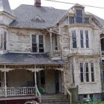 Crumbling house from 1887 lovingly restored to former splendor